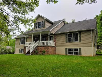 Single Family Home For Sale: 304 Gregor Lane