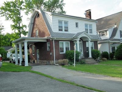 Altoona Single Family Home For Sale: 402 Wopsononock