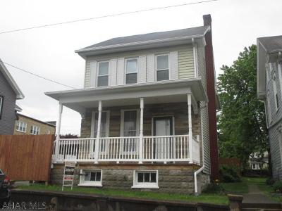 Roaring Spring Single Family Home For Sale: 534 Main Street