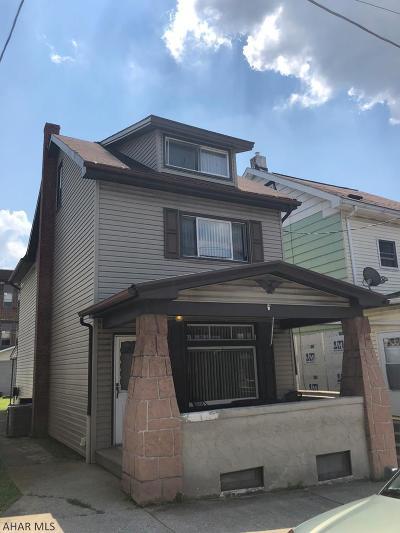 Altoona Single Family Home For Sale: 215 E 1st Avenue
