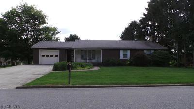 Martinsburg, Roaring Spring, East Freedom, New Enterprise, Woodbury Single Family Home For Sale: 212 Oakdale Road