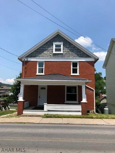 Martinsburg, Roaring Spring, East Freedom, New Enterprise, Woodbury Single Family Home For Sale: 611 E Main Street