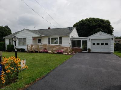 Martinsburg, Roaring Spring, East Freedom, New Enterprise, Woodbury Single Family Home For Sale: 205 State St