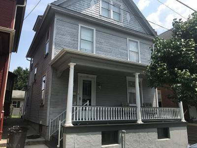 Hollidaysburg Single Family Home For Sale: 510 North Montgomery Street