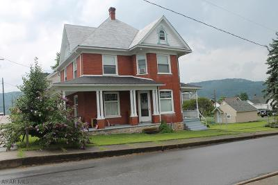 Martinsburg, Roaring Spring, East Freedom, New Enterprise, Woodbury Single Family Home For Sale: 625 New Street