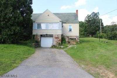 Hollidaysburg Single Family Home For Sale: 1299 Frankstown Rd