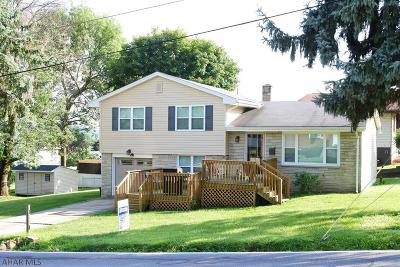 Altoona Single Family Home For Sale: 503 S 13th St