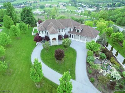Hollidaysburg Single Family Home For Sale: 264 Scenic Pine Dr