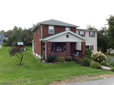 Blair County Single Family Home For Sale: 3726 Oak Ave
