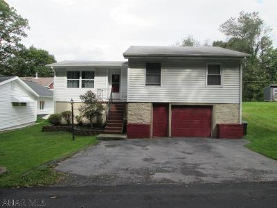 Altoona PA Single Family Home For Sale: $105,900