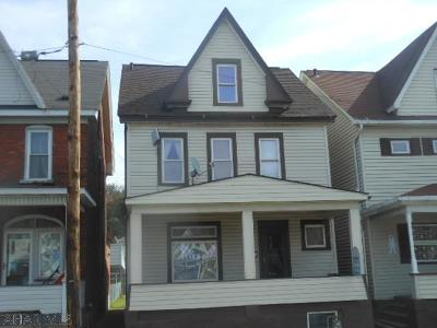 Altoona Single Family Home For Sale: 2613 Union Ave