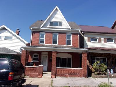 Altoona Single Family Home For Sale: 504 Crawford Avenue
