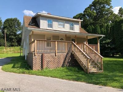 Single Family Home For Sale: 2098 Raystown Road