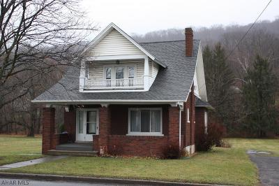 Claysburg Single Family Home For Sale: 792 Bedford St
