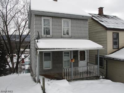 Altoona Single Family Home For Sale: 1016 N 6th Avenue