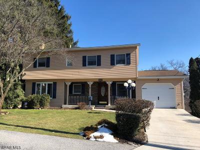 Altoona Single Family Home For Sale: 1229 Grant Avenue