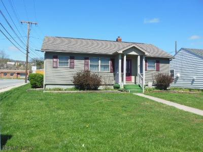 Blair County Single Family Home For Sale: 400 E 26th Ave.