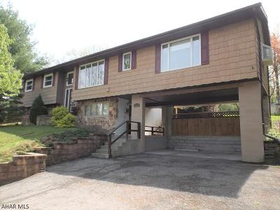 Altoona Single Family Home For Sale: 2525 Crawford Ave.