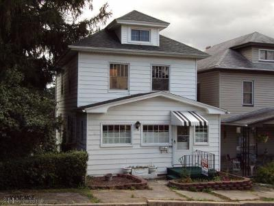 Altoona Single Family Home For Sale: 109 Maple Ave