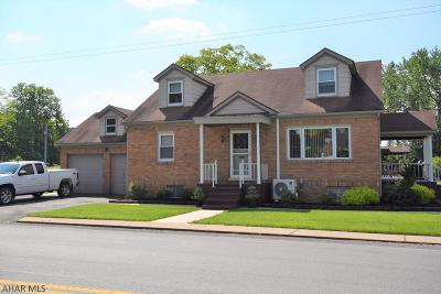 Altoona Single Family Home For Sale: 303 E Ward Ave