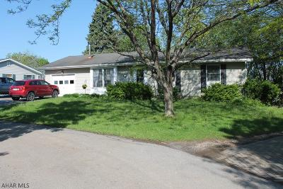 Altoona Single Family Home For Sale: 902 E Hudson