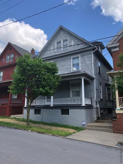 Hollidaysburg Single Family Home For Sale: 510 N Montgomery St