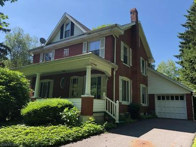 Altoona PA Single Family Home For Sale: $180,000