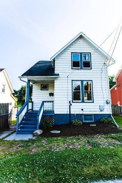 Tyrone Single Family Home For Sale: 531 Oak Street