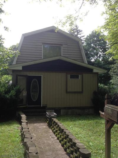 Altoona Single Family Home For Sale: 5425 Broad Ave