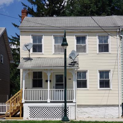 Hollidaysburg Single Family Home For Sale: 249 Broad Street