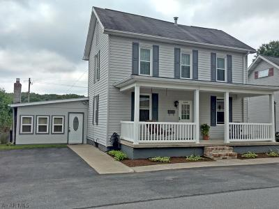 Bellwood Single Family Home For Sale: 1238 North Cambria Street