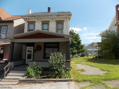 Altoona Single Family Home For Sale: 407 Cherry Avenue