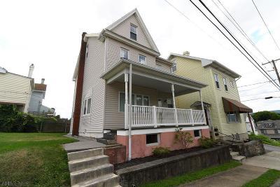 Altoona Single Family Home For Sale: 213 S 4th Street