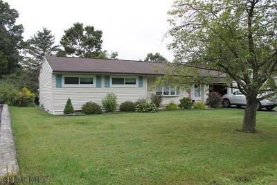 Altoona Single Family Home For Sale: 2004 Parkway Drive
