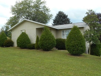 Clarion Single Family Home For Sale: 147 Pond Lane