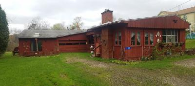 Venango County Single Family Home For Sale: 109 School House Hill Road