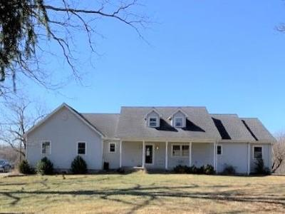 Venango County Single Family Home For Sale: 499 Warren Rd.