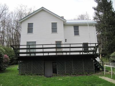 Venango County Single Family Home For Sale: 164 Cornplanter Hill Road