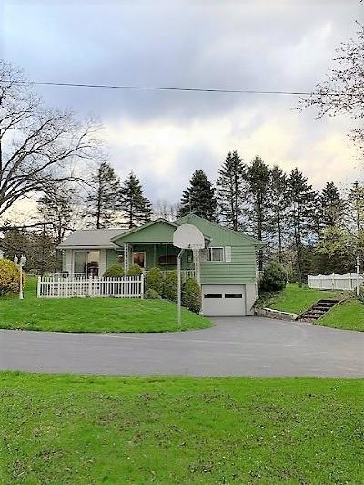 Venango County Single Family Home For Sale: 432 Congress Hill Rd.