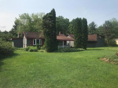 Venango County Single Family Home For Sale: 2279 Us 62