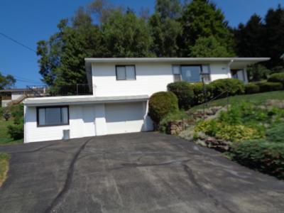Venango County Single Family Home For Sale: 811 McCalmont Street
