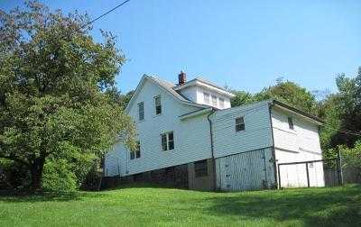 Venango County Single Family Home For Sale: 109 College Drive