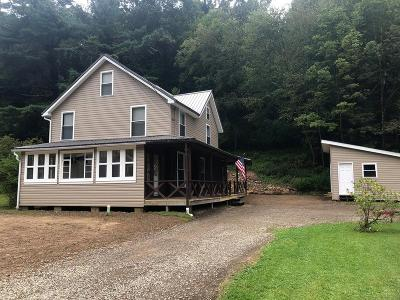 Venango County Single Family Home For Sale: 1335 Riverside Dr