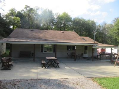 Venango County Single Family Home For Sale: 1367 Shaffer Run Road