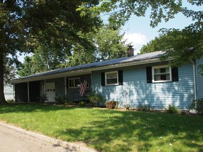 Towanda Single Family Home For Sale: 102 Foster Road