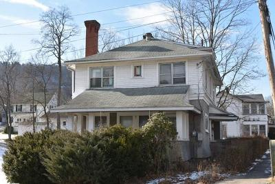 Towanda Single Family Home For Sale: 400 Fourth Street