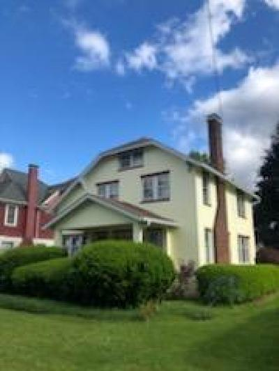 Sayre PA Single Family Home For Sale: $124,900