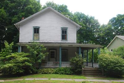 Waverly Single Family Home For Sale: 42 Pine St