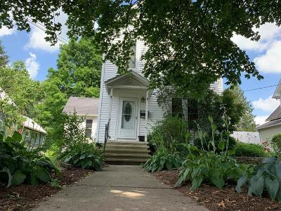 Mansfield Single Family Home For Sale: 114 N Academy St