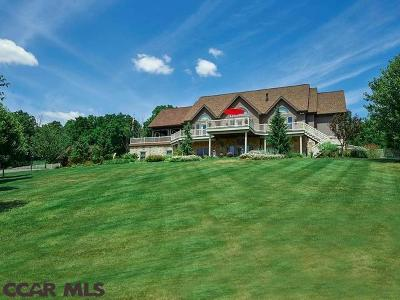 Single Family Home For Sale: 131 Essex Court